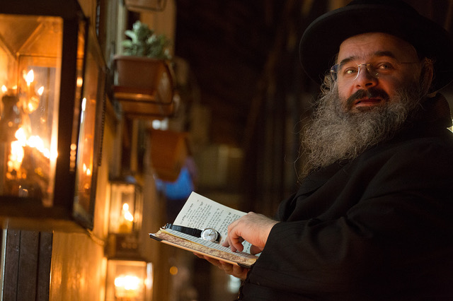 Hanukkah in Mea Shearim 3
